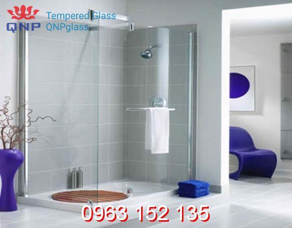Lựa chọn và sử dụng vách kính lùa phòng tắm cần lưu ý điều gì?